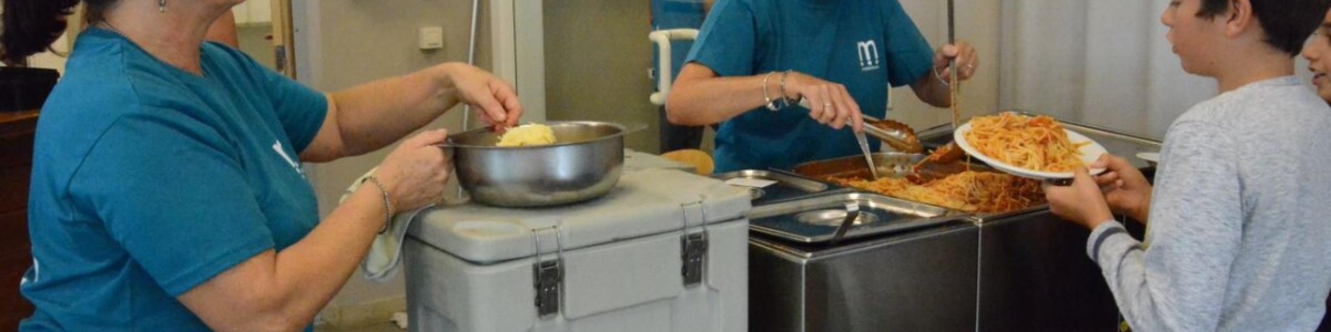 vrijwilligers geven et